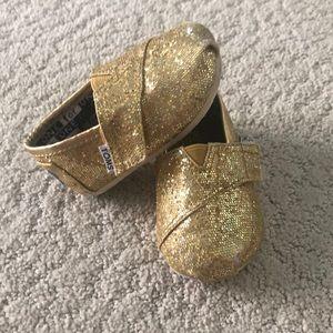 Toddler gold sparkle Toms